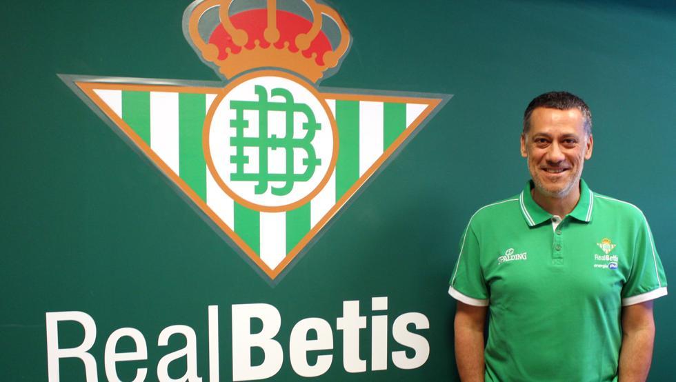 Alejandro Martínez, entrenador del Real Betis EP