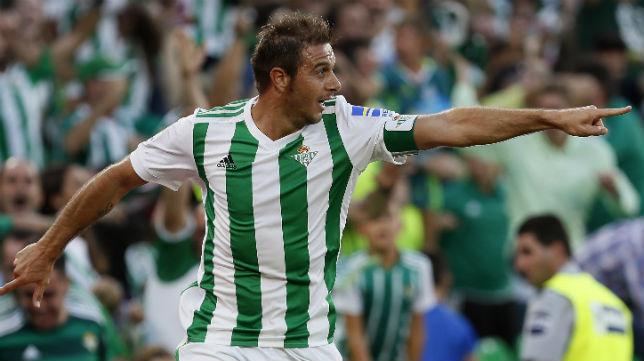 Sevilla Betis. Joaquín señala el camino a la victoria.